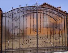 Ворота решетчатые с поликарбонатом