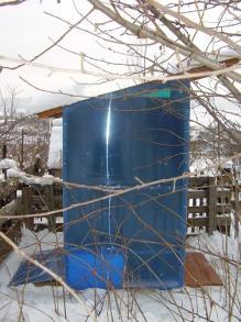 Туалет для дачи, вид сбоку